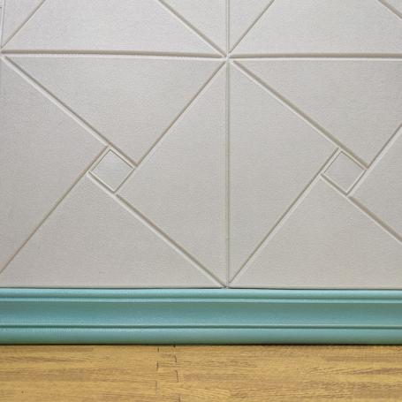 Самоклеющийся бирюзовый плинтус для стен