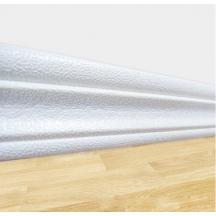 Самоклеющийся гибкий белый плинтус 240х8 см