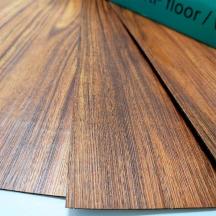Cамоклеющаяся виниловая плитка темное дерево 914*152*1,5мм, цена за 1м2 (СВП-004)