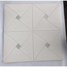 Самоклеющаяся 3D панель белая ромб с серебром 700x700x6мм